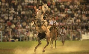 Este sábado inicia el Festival Nacional de Jineteada y Folclore de Diamante