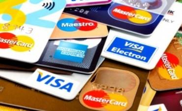 Ya no hay límites para extraer efectivo en el exterior con débito y crédito