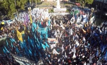 Marcha en apoyo a Milagro Sala en Plaza de Mayo