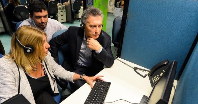 Macri visitó call center de la Anses y