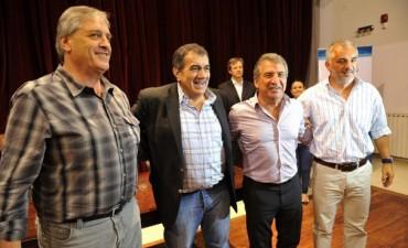Urribarri quiere hacer ley el programa de apoyo a las instituciones deportivas