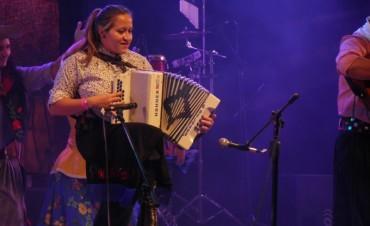 Belén Delgado levanta el público con su interpretación del chamamé