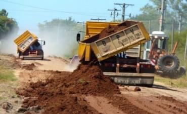 Vialidad Provincial trabaja en el mejoramiento del acceso a la Escuela Agrotécnica