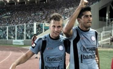 Belgrano le ganó con justicia a River en un partido lleno de goles