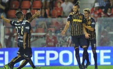 Rosario Central le ganó a Independiente y lidera con puntaje perfecto