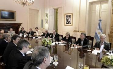 Macri viaja a Corrientes para encabezar una reunión de gabinete ampliada