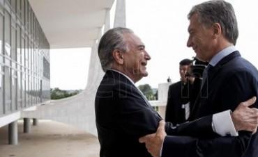 Macri fue recibido por su par Temer en el Palacio del Planalto