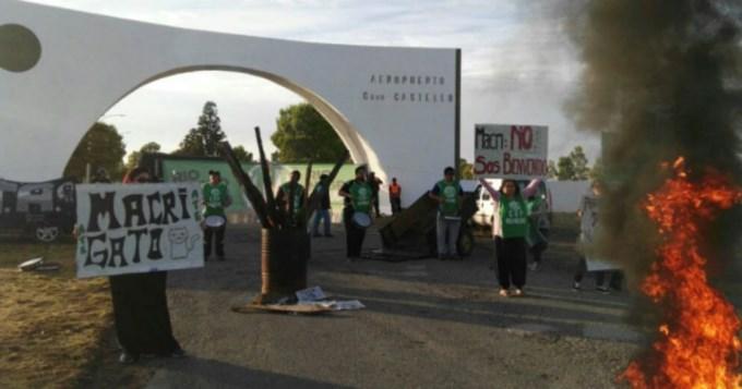 Escrache e incidentes en la llegada de Macri a Río Negro