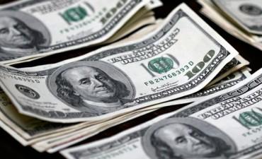 Otra minicorrida del dólar: se disparó 25 centavos al récord de $ 20,20