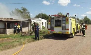 Vivienda quedó destruida por un voraz incendio