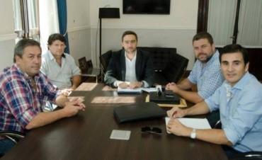 El Intendente y su equipo de trabajo realizaron gestiones ante el Ministro de Gobierno de la provincia