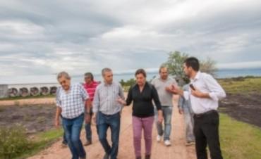 Acuerdan trabajo conjunto para la recuperación de caminos del departamento Colón