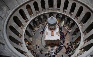 El Santo Sepulcro de Jerusalén -  La tumba de Jesucristo reabre resplandeciente y a todo color