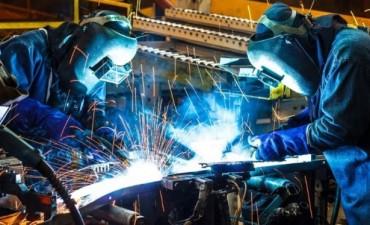 La industria cayó un 6% en febrero y la construcción un 3%
