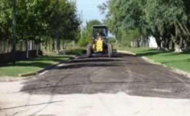 Se realizan tareas de conservación de caminos en el ejido de Paraná Campaña