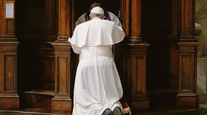 El Papa cumple cinco años de un reformismo pastoral que genera amores y recelo