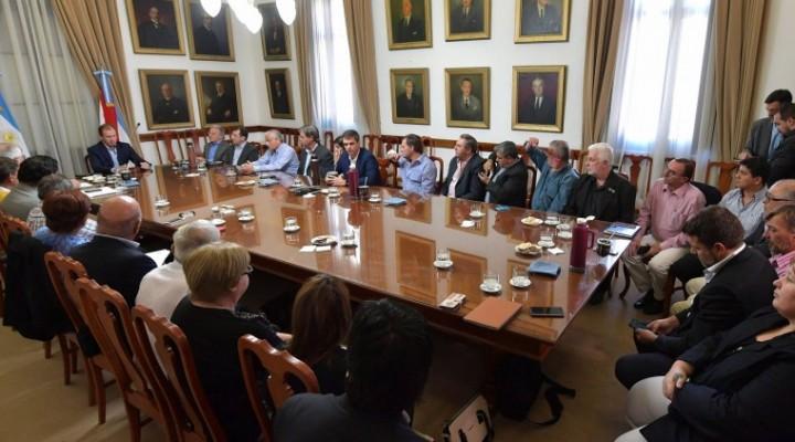 Intendentes justicialistas expresaron su preocupación por notable aumento de la tarifa eléctrica que implementó Nación