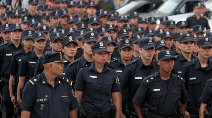 JEFATURA DEPARTAMENTAL FEDERAL Dirección e-mail:  dptalfederal_policia@entrerios.gov.ar Dirección Postal: Paraná 438 Teléfono: 03454 – 421063 / 421515