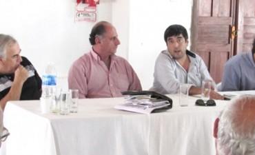 Fuertes presentó sus propuestas a entidades del campo