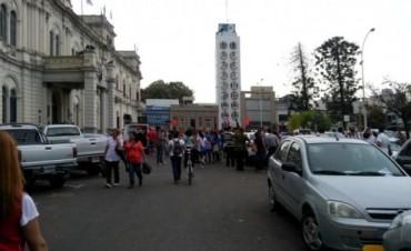 Docentes protestaron ante liquidación incorrecta de sueldos