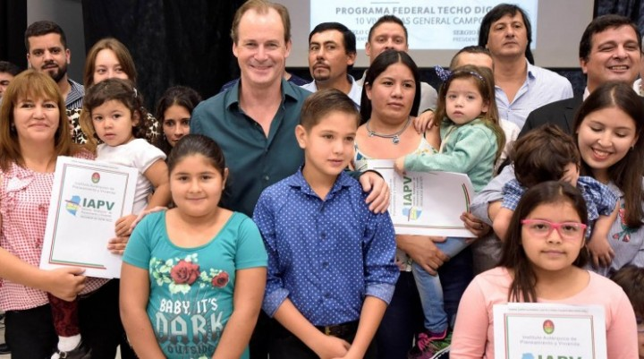 El gobierno provincial licitará otras 500 viviendas con recursos propios