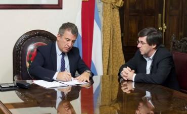 Urribarri promulgó la reforma electoral y política de Entre Ríos