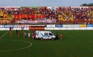 Murió Cristian Gómez, el jugador de Atlético Paraná que se desplomó en pleno partido