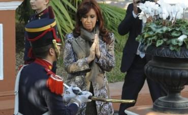 La Presidenta depositó el sable de San Martín en el Muse Histórico Nacional