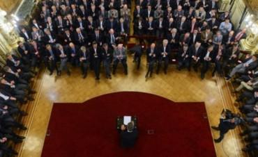 El Gobierno confirmó que vetará la ley antidespidos si se aprueba en Diputados