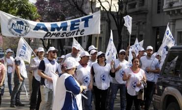 AMET aceptó la propuesta del Gobierno aunque la considera