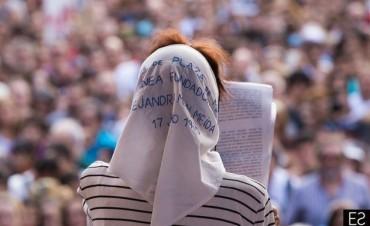 Una plaza llena de pañuelos  - Enterate cuál es el pedido de las Madres para la marcha contra el 2x1