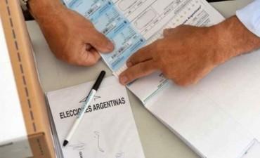 La gente ya puede anotarse para ser autoridad de mesa en las elecciones: pagarán $ 1.200