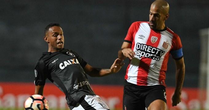 Estudiantes ganó, se metió en la Sudamericana y se retiró Verón