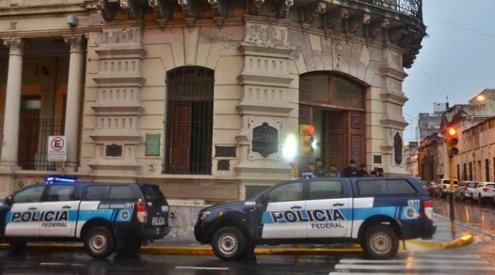 La Federal allanó la municipalidad de Paraná y la casa de Varisco