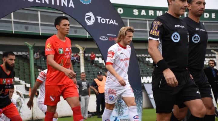 Con el sapo Pereyra en cancha, Independiente cayó sobre el final ante Argentinos Juniors