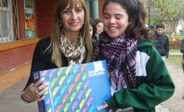 La Escuela Agro Técnica de Federal recibió netbooks