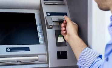 Llega competencia en cajeros automáticos