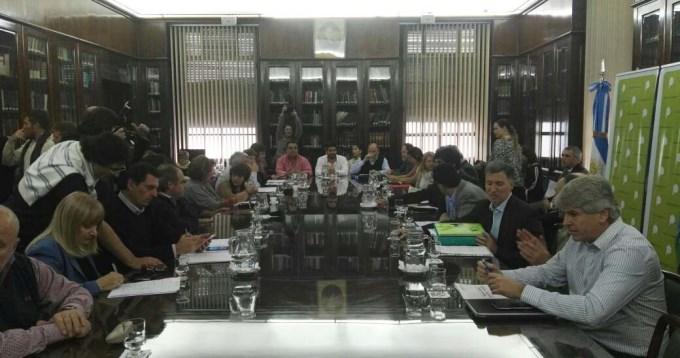 Gobierno bonaerense propuso aumento salarial a docentes