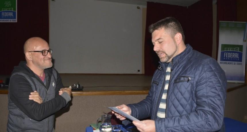 RICARDO LEGUIZAMÓN BRINDÓ UNA CHARLA EN EL DÍA DEL PERIODISTA