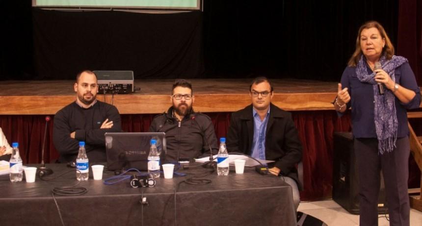 Realizaron una charla y debate sobre caminos rurales