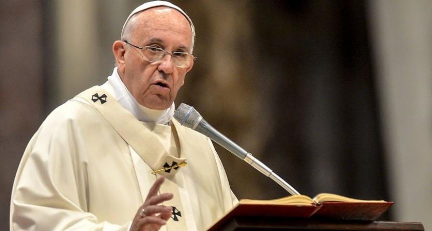 El Papa Francisco cruzó a Clarín y a los medios que buscan