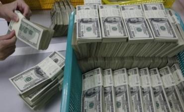 El dólar sigue en alza y comienza a impactar con fuerza en los precios