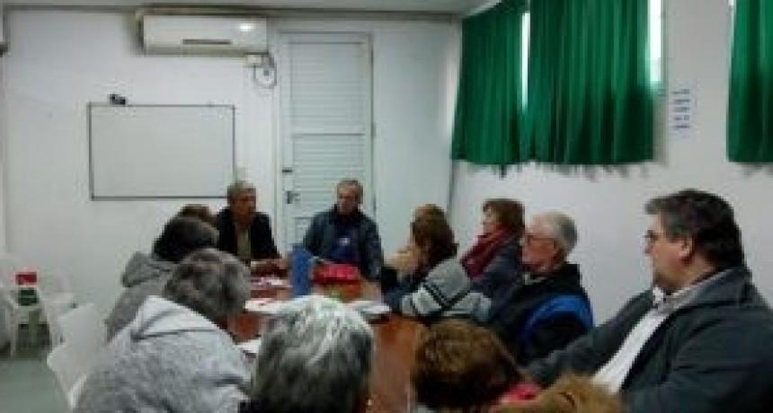 Jubilados reclamaron aumento de jubilaciones y pensiones a Elías