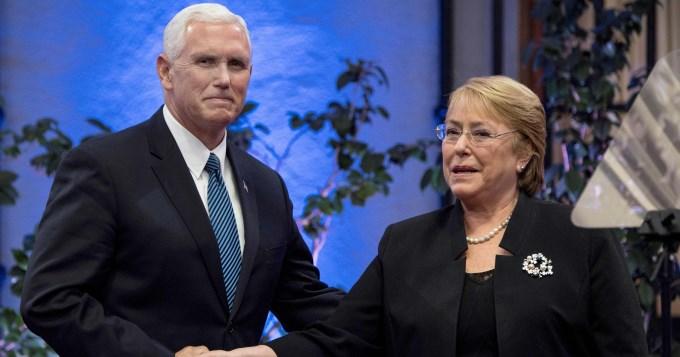 Bachelet le puso los puntos al vice de Donald Trump