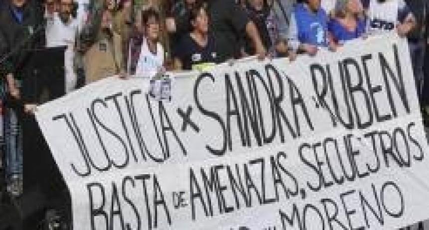 """Participaron las CTA y movimientos sociales   Acto en Plaza de Mayo: """"Estaremos en la calle hasta que cambie la política económica"""", avisaron antes del paro"""