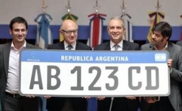 Los vehículos del Mercosur utilizarán una patente común a partir de 2016
