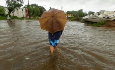 El temporal causó unos mil evacuados y Desarrollo Social asiste a los afectados en Capital y cuatro provincias