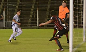 Patronato dejó pasar la chance y sólo igualó ante Guaraní en Posadas