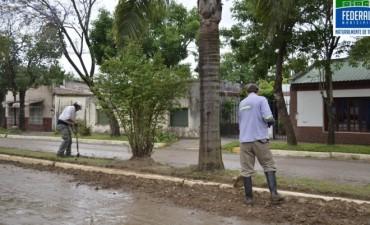 De las más castigadas:tareas de mantenimiento en Boulevard Pte. Perón