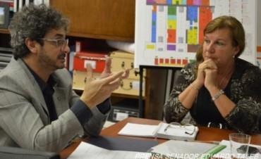 """Se inicia la segunda etapa de reparación de la Escuela N° 44 y el llamado a licitación de la obra de gas natural para el hospital """"Justo José de Urquiza"""""""
